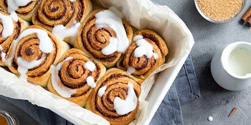 cinnamon-rolls-500